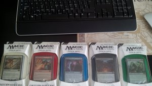 Regalamos 5 mazos de cartas de Magic The Gathering 2015