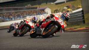 Los pilotos del NGM Forward Racing Team son testers de MotoGP 14