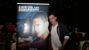 Robert Kneeper presenta Prison Break: The Conspiracy