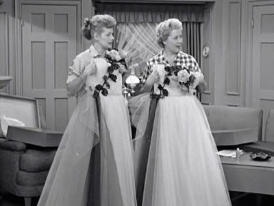 I love lucy lucy and ethel buy the same dress