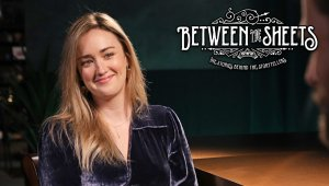 Entrevista de Between the Sheets a Ashley Johnson